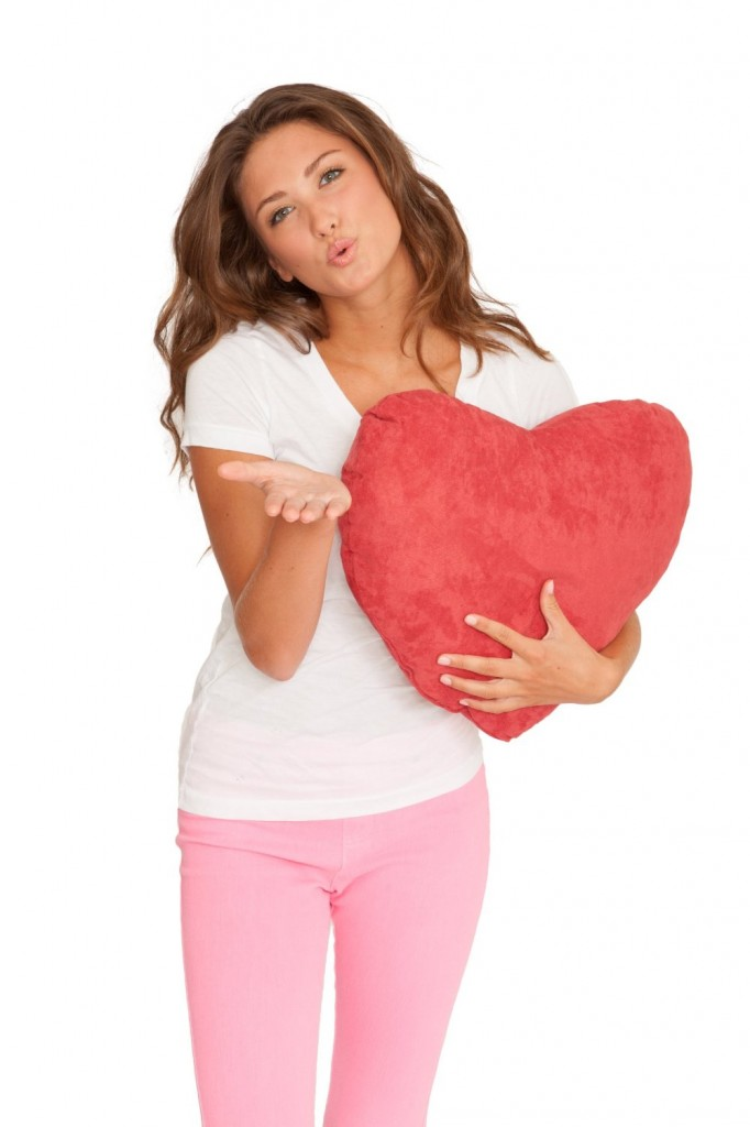 cute-heart-shaped-pillow-